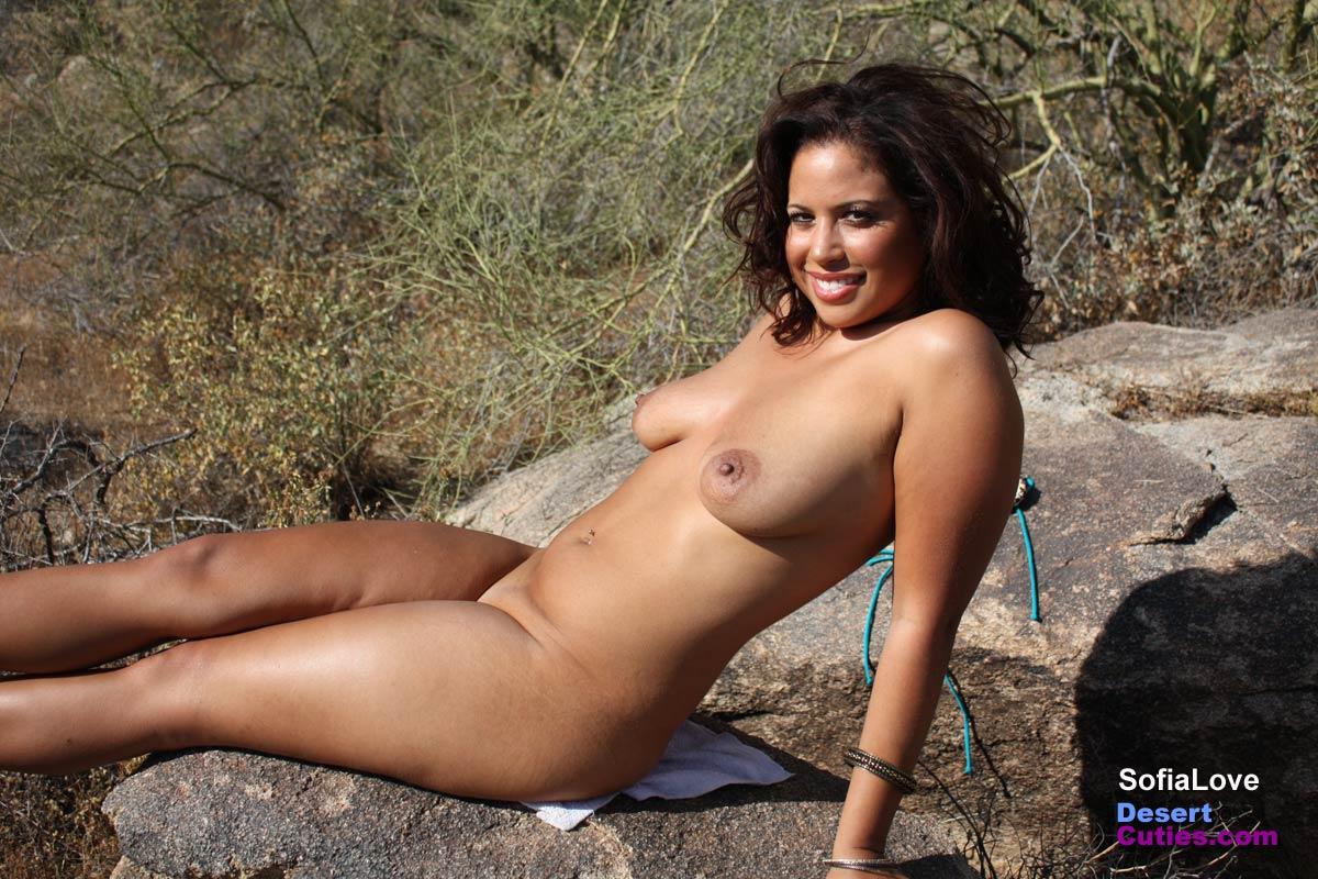 selena gomez nude photos leaked